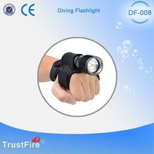 Latest scuba diving equipment CREE XM L2 led operated 700 lumens DF008 diving flashlight with holster