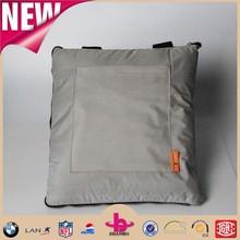Fashion bag design waterproof one side brushed polar fleece blanket/one side oxford cloth picnic blanket with handle strap