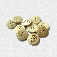 2015 yiwu ririfa new style Natural coconut button,4-Holes button,colored coconut buttons