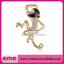 Funny gold monkey rhinestone brooches ,new style monkey crystal pin