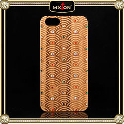 Comfortable Diamont Setting Bamboo Made Case Cover For Iphone 5 5S