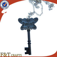 Customized souvenir butterfly key shape pendant necklace chain