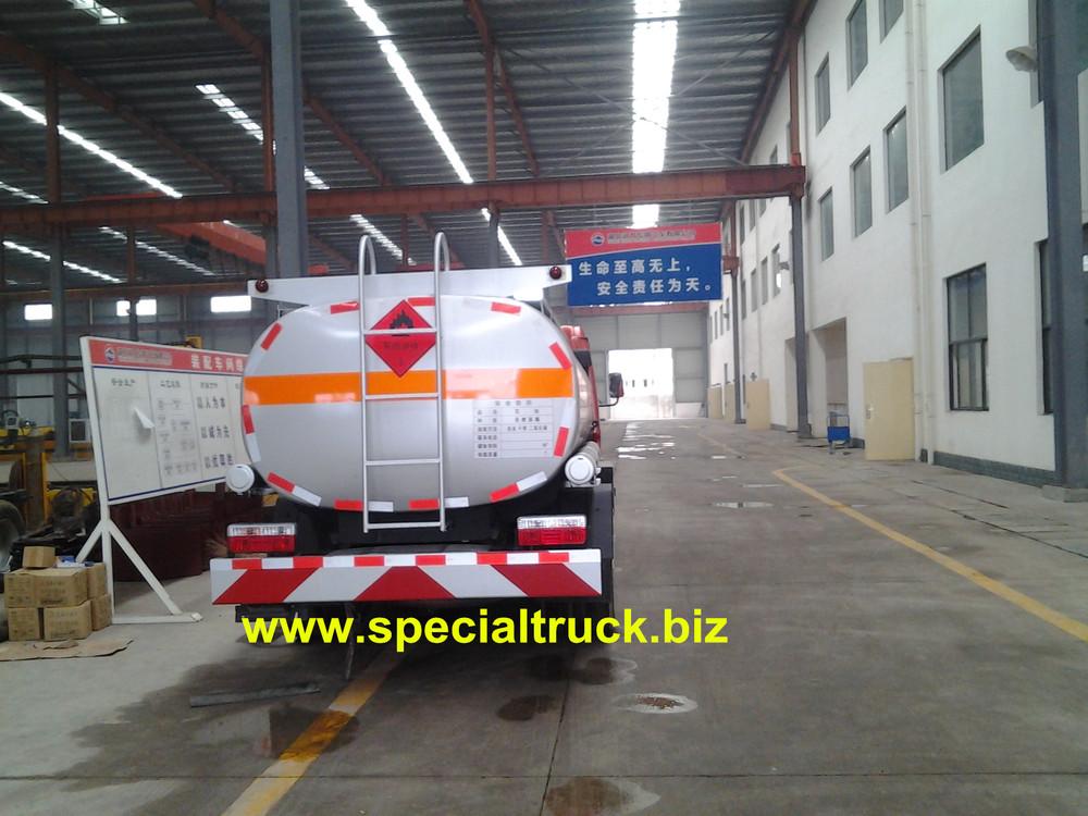 petrol tanker truck DFAC 4.82cbm 4*2