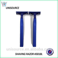 Travel use single or double blade shave razor