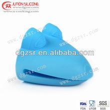 2012 new design heat resistant silicone oven glove