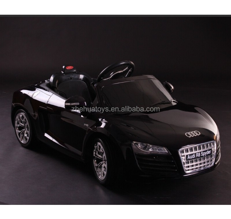 12 v enfants voiture lectrique jouet licence tour sur la voiture audi r8 spyder r c tour. Black Bedroom Furniture Sets. Home Design Ideas