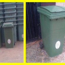 Mobile garbage bin (fairly used)
