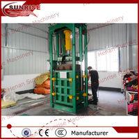Automatic vertical type old clothes hydraulic baling machine