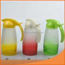 FDA,/LFGB Graceful glass bottle for oil or vinegar with plastic lid