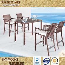 Silla de mimbre y mesa, alta silla y mesa alta muebles de exterior( tc114)
