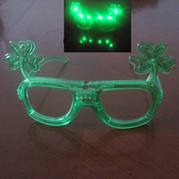 Saint Patrick's Day green clover glassses with led flasing light