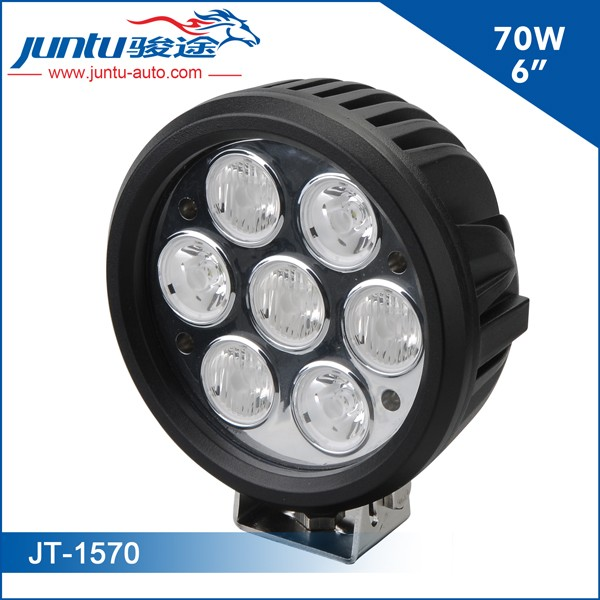 Model No.:JT-1570LED Chip: CREEPower: 6inch 70WLumen: 5000LMBeam: Spot/Flood/Combo OptionalWorking Voltage: 9-32VCurrent: 4.6A@12V, 2.1A@24VIP Rating: IP67Housing Materials: Die-cast AluminumMounting Bracket: Stainless SteelLife-span: 30,000 Hours