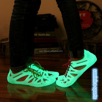 2015 Hot Men / Women Outdoor Sports Emitting Luminous Shoes Slip Breathable Beach Sandals Sneakers Fluorescence Wading Shoes