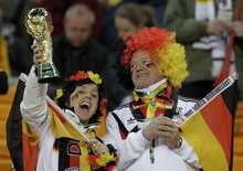 Fashionable Promotion euro world cup football fan gifts promotional usb custom logo