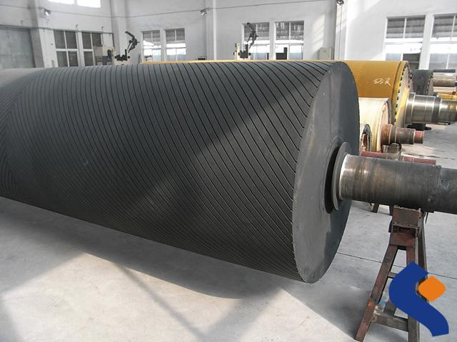 SBR mine rubber roller.jpg