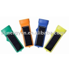 low cost LED solar flashlight with 6 super bright LED bulbs