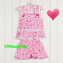 Las niñas rosa capullo de seda cinturón de condolerse t- shirt + pantalones cortos de encaje 2 pcs verano ropa para niños juegos
