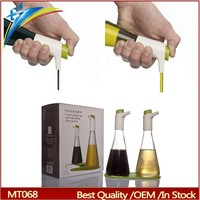 Controllable oil vinegar cruet set