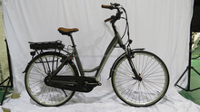 28 inch powered e bicycle with bafang mid crank motor torque sensor function