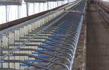 farm equipment manufacturer cow free stall