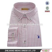 Benutzerdefinierte herren Taste- down-kragen rot kariertes hemd mit stickerei