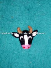 FELT COW WITH MAGNET