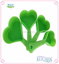 Plastic Heart Shape Measuring Cup and Spoon Set
