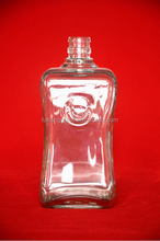 500ml competitive price with square glass vodka bottle