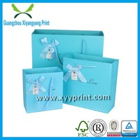 Custom High Quality And Fancy Printed Christmas Paper gift Bag with handles, wedding gift bags wholesale