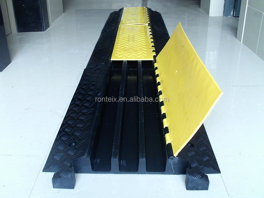 Rubber Cable Protector Ramp