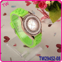 2015 new arrived vogue silicone rubber watch strap watches ladies with different colors