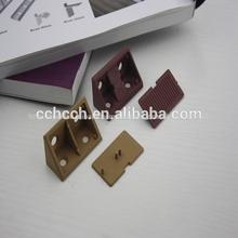 medio de la esquina de plástico conector de conexión de montaje para el gabinete de accesorios mueble