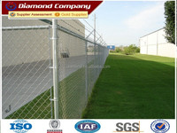 Galvanized steel chain link mesh fence