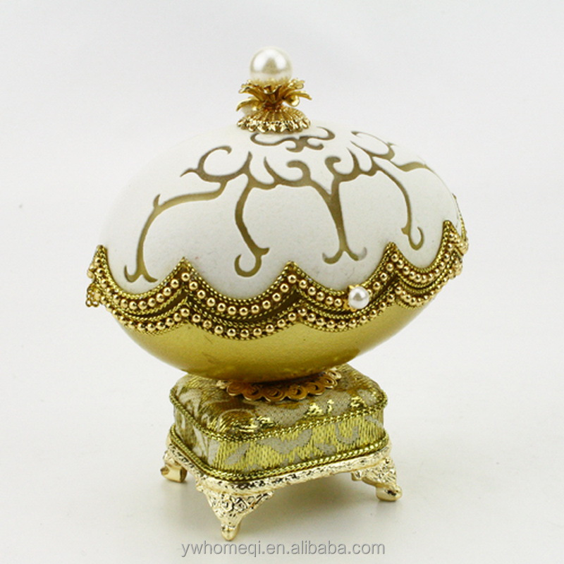 HOMEQI Carousel Dancing Hand Crank Egg Music Box