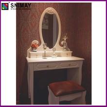 blanco moderno aparador con espejo de la silla