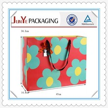 Wholesale alibaba new fashion elegant designed colorful gift pink paper bags
