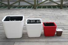 FO-1303 fasion plastic self watering flower planter