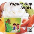 descartáveis de sopa e copo de iogurte congelado
