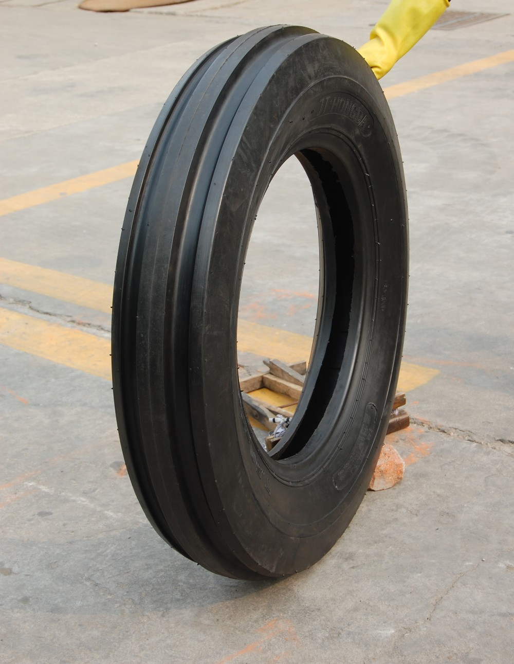 caoutchouc tube pneu type tracteurs ferme utiliser des machines agricoles pneu 18 4 26 pi ces. Black Bedroom Furniture Sets. Home Design Ideas