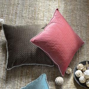 caliente buena calidad 100% poliéster al por mayor super suave tela de terciopelo rojo en relieve para el sofá tela de tapicería