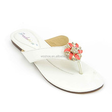 TPR sole fast delivery Guangdong supplier summer rhinestone ornament thong ladies flip flops