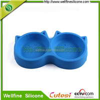 Drop resistant silicone dog feeding bowl with double bowl design