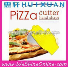 2015 hot sale plastic pizza cutter/stainless steel hand shape pizza cutter with ergonomic plastic handle
