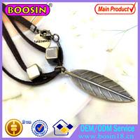 Fashion Leaf Pendant Necklace Engraved Logo Leather Chain Antique Bronze Jewellry 17159