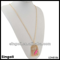 2014 cute boy and girl pendant necklaces birdcage shape dainty jewelry zinc alloy mesh pink costume jewelry bird necklace