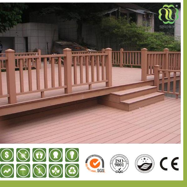 Escaleras exteriores de madera amazing bonita escalera - Barandilla de madera exterior ...