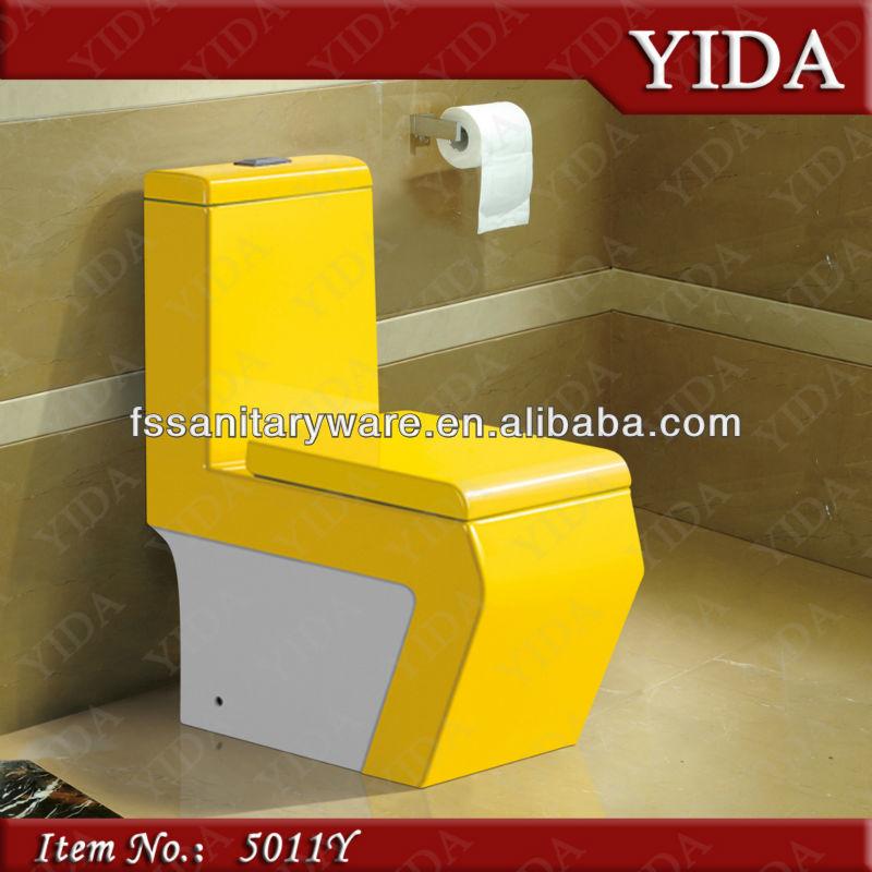 Entwässerung Von Waschbecken Und Wc: Bunte Wc, Farbige Toilettenschüssel, Farbe Badezimmer