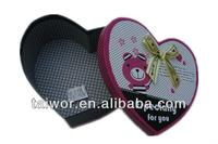 Custom Lovely Heart Shaped Gift Box with Lid and Ribbon