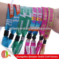 fashionable fabric wrist strap for event
