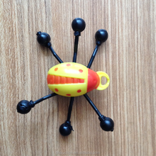 2015 new fashion plastic sticky toys climbing down on wall insects toys